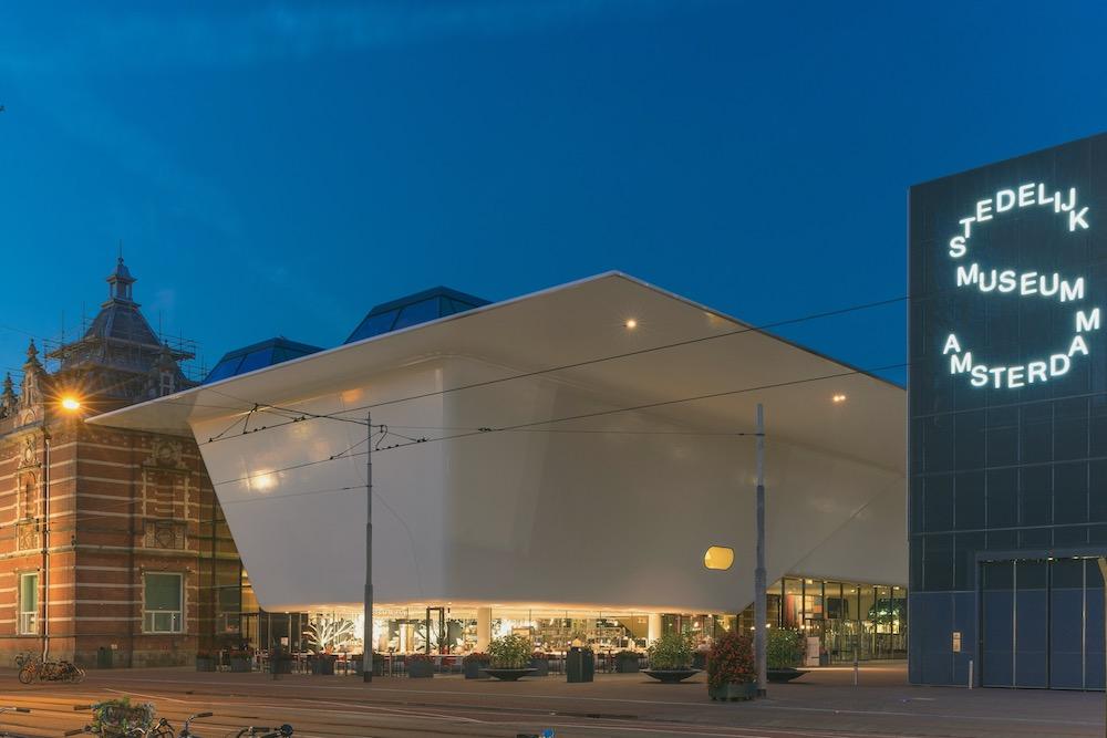 Stedelijk Museum twisht