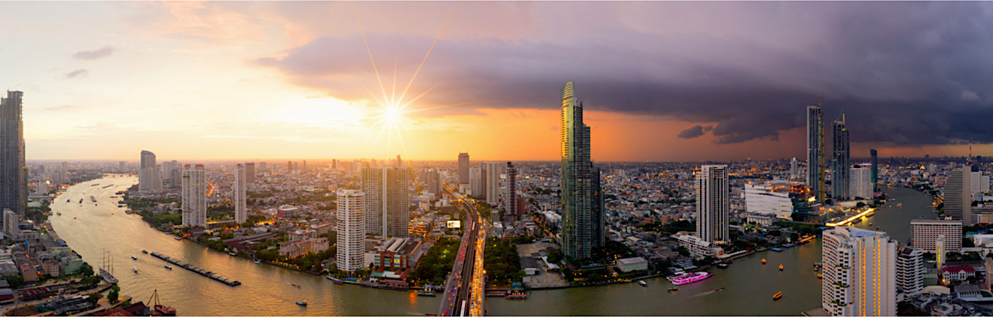 Experience beautiful historic sites & unforgettable shopping in Bangkok